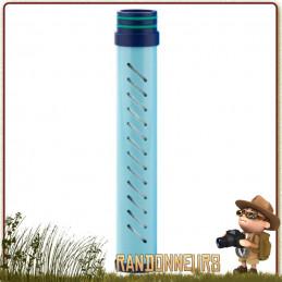 gourde filtration eau lifestraw GO 2 pour filtrer l'eau d'une rivière en randonnée légère et voyage avec charbon actif